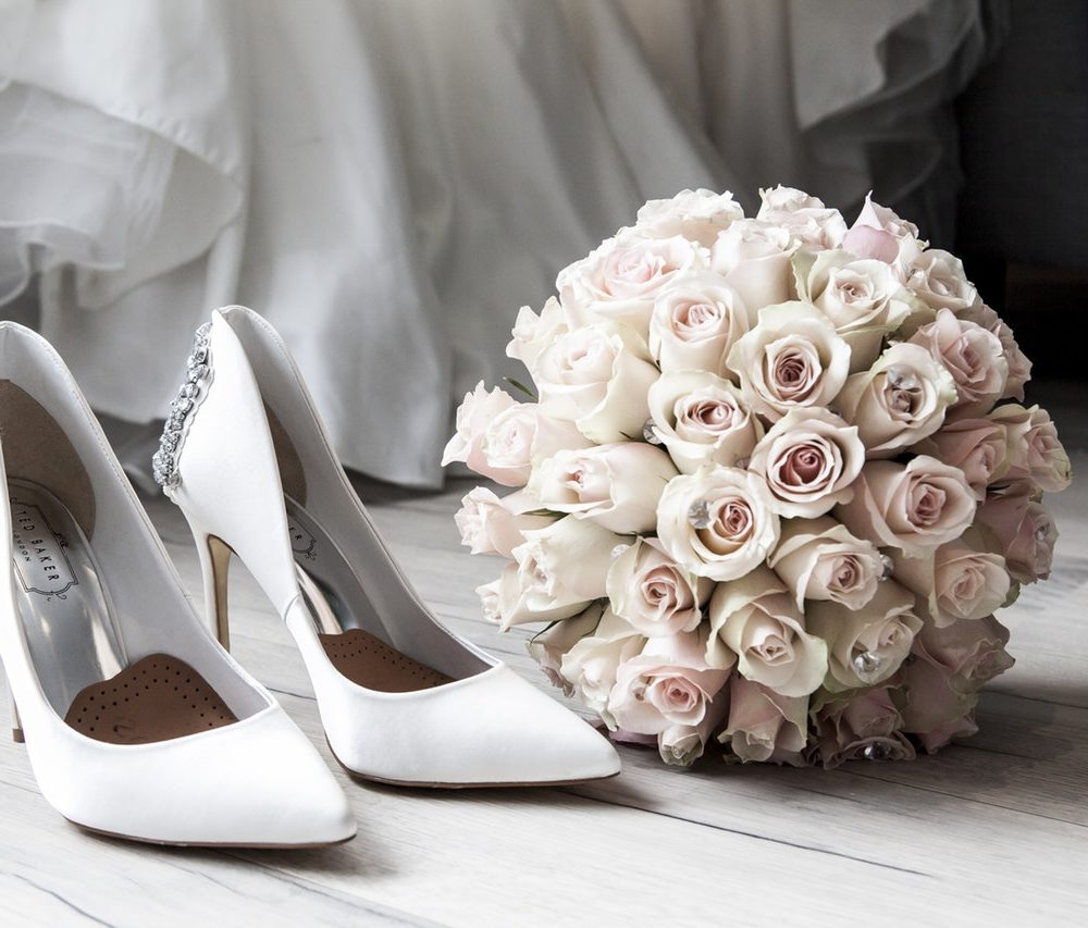 5 Wedding Planning Priorities You Can Box Off
